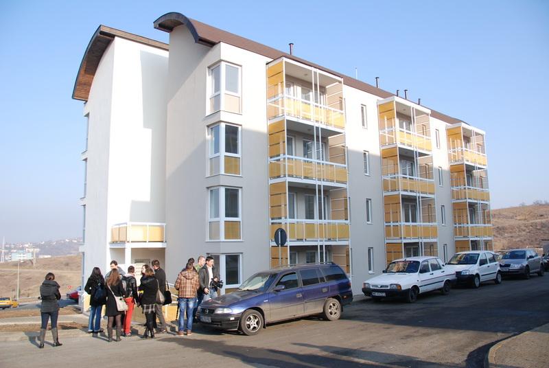 Vizualizati imaginile din articolul: Ünnepek új lakásban!