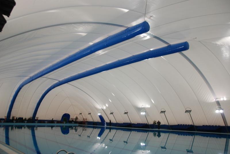 Vizualizati imaginile din articolul: Într-o ambianţă…tropicală, va avea loc - Inaugurarea bazinului olimpic de la Weekend!