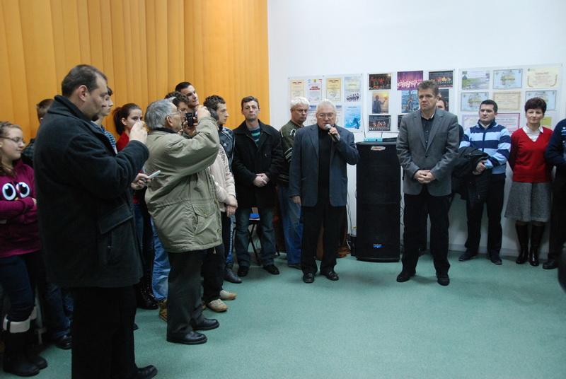 """Vizualizati imaginile din articolul: Sală de dans, la Centrul Cultural """"Mihai Eminescu"""""""
