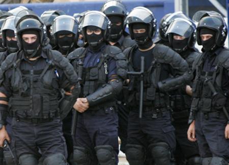 Vizualizati imaginile din articolul: LA MULŢI ANI, Jandarmeriei Române !