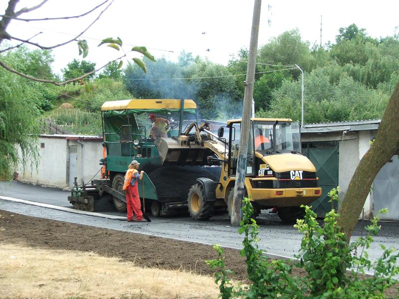 Vizualizati imaginile din articolul: Strada Apicultorilor aproape de finalizare