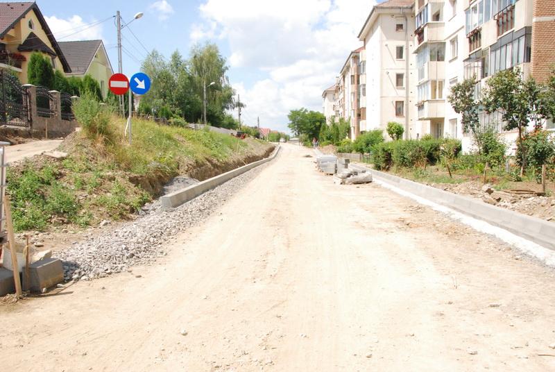 Vizualizati imaginile din articolul: Strada Muntenia - o stradă de pământ - se reabilitează complet