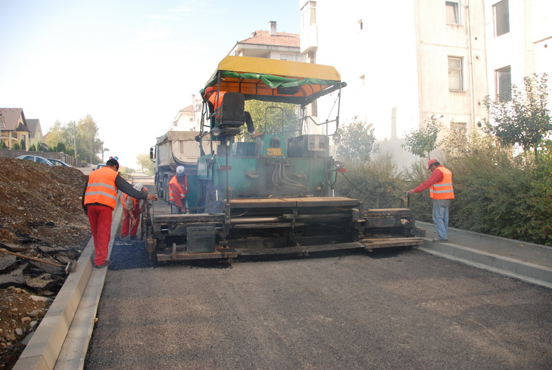 Vizualizati imaginile din articolul: Strada Muntenia din Tîrgu – Mureş, modernizată