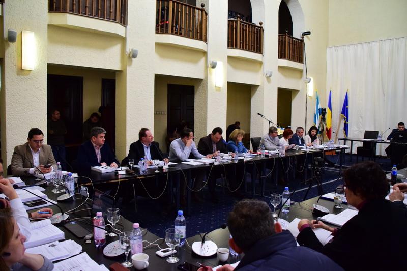 Vizualizati imaginile din articolul: D I S P O Z I Ţ I A   nr. 2.273 din   4  noiembrie  2019 privind convocarea Ședinței  extraordinare a Consiliului local municipal Târgu Mureș  din  data de  7 noiembrie 2019