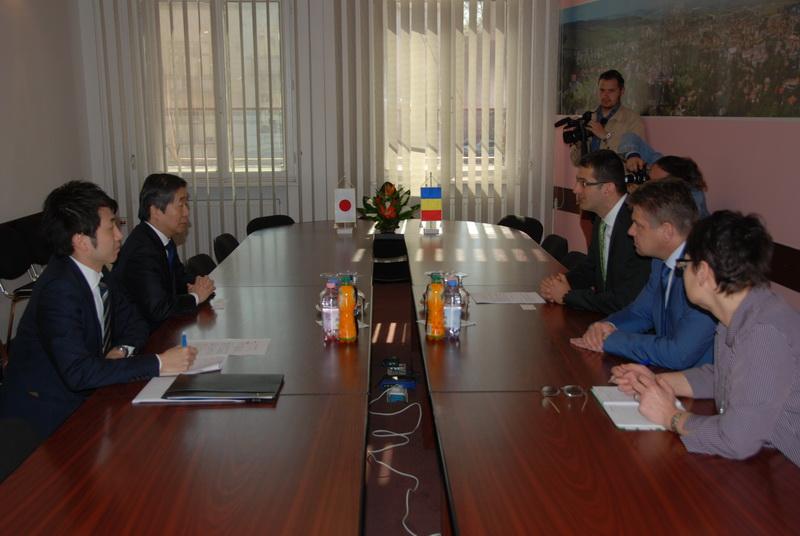 Vizualizati imaginile din articolul: Ambasadorul Japoniei, oaspete al Primăriei Tîrgu Mureş
