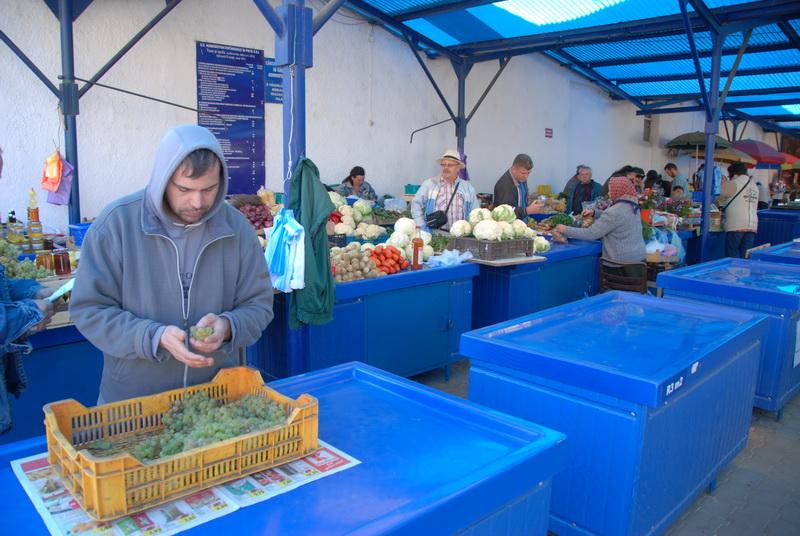 Vizualizati imaginile din articolul: Pieţele din municipiu, la standarde europene!