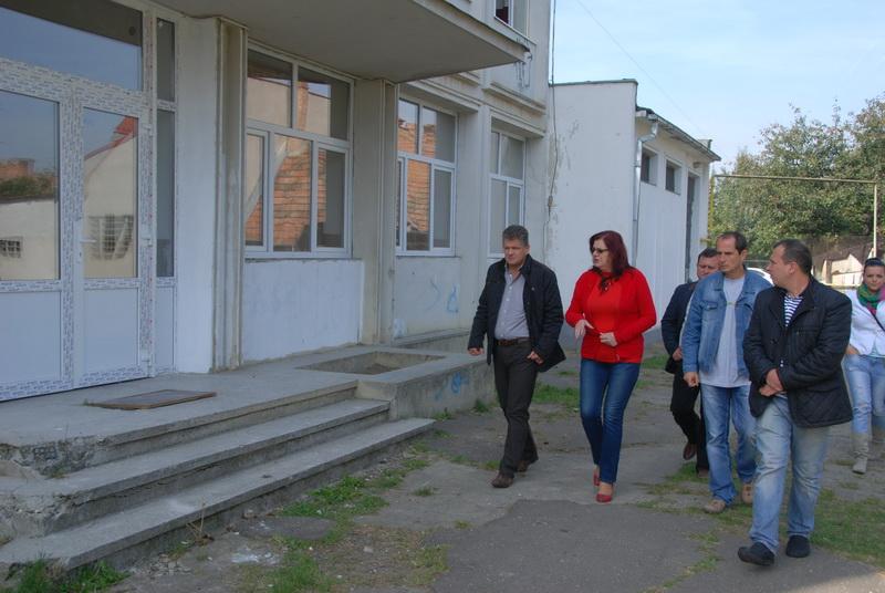 """Vizualizati imaginile din articolul: Lucrări de modernizare la Şcoala Gimnazială """"Serafim Duicu"""""""