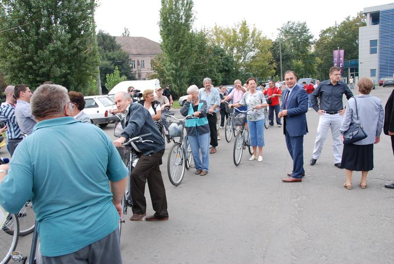 Vizualizati imaginile din articolul: Kerékpáron – idős korban is