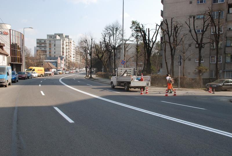 Vizualizati imaginile din articolul: A început acţiunea de marcare a străzilor în Tîrgu Mureş