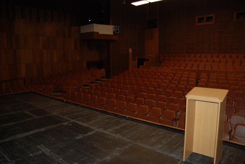 Vizualizati imaginile din articolul: Centrul Cultural MIHAI EMINESCU