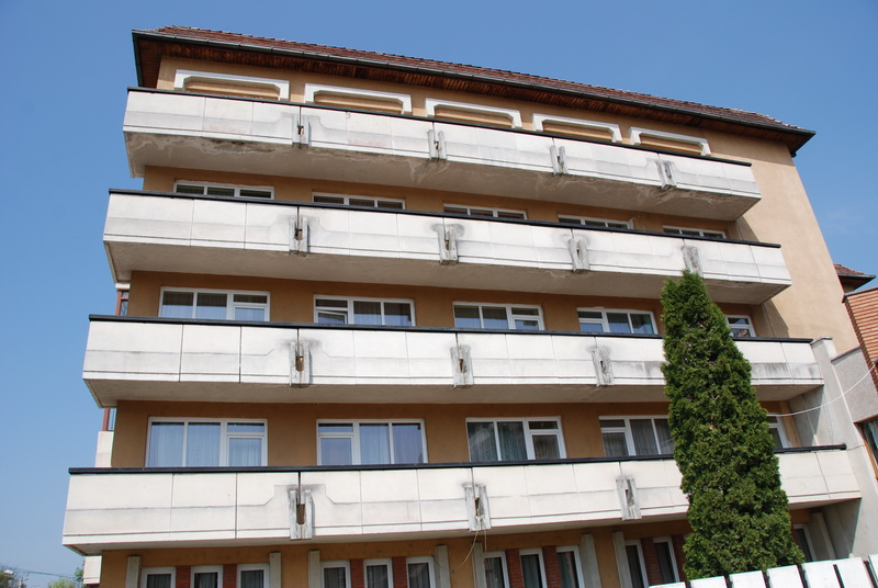 Vizualizati imaginile din articolul: HOTEL   SI  RESTAURANT  - CLUB  TINERET TÎRGU-MUREŞ