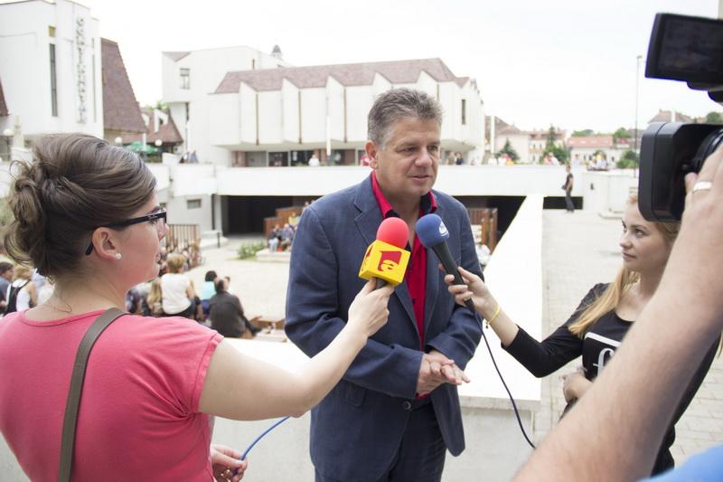 """Vizualizati imaginile din articolul: """"Am oferit publicului târgumureșean încă un spațiu pentru cultură"""""""