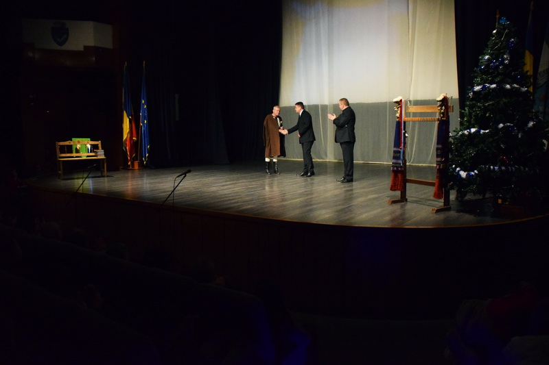 """Vizualizati imaginile din articolul: O seară de excepţie în compania maestrului Ioan Bocşa la Centrul cultural """"Mihai Eminescu"""""""