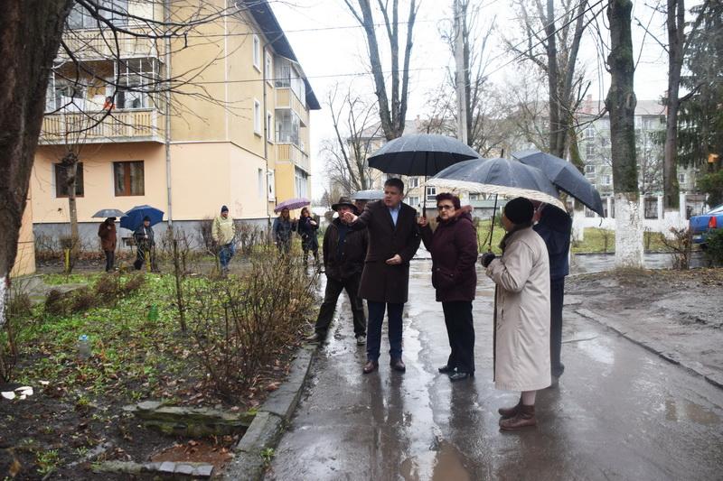 """Vizualizati imaginile din articolul: Claudiu Maior: """"Szoros és hosszú távú együttműködést szeretnénk a lakók és a Marosvásárhelyi Polgármesteri Hivatal közöttˮ"""
