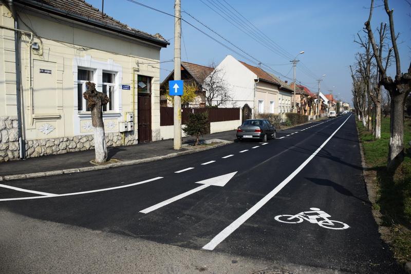 Vizualizati imaginile din articolul: Újabb kerékpárút Marosvásárhelyen