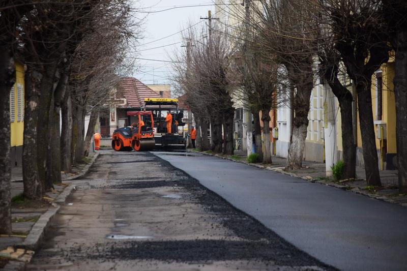Vizualizati imaginile din articolul: Leaszfaltozták a Cosminului utcát