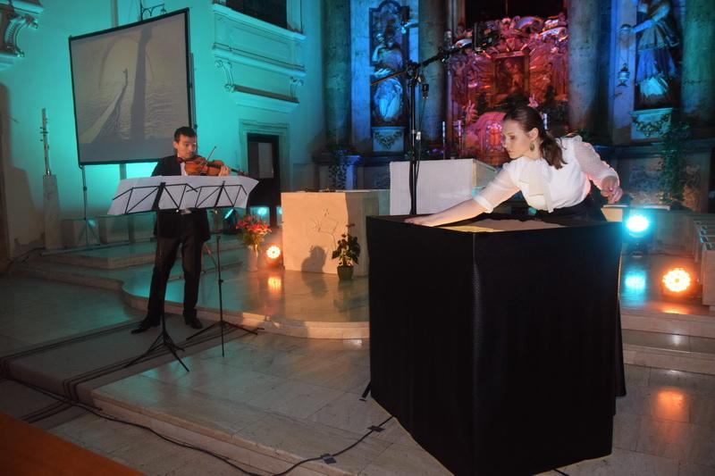 Vizualizati imaginile din articolul: O seară magică la Catedrala Romano-Catolicădin Tîrgu Mureş ! Tomescu a dat din nou viaţă viorii, pentru târgumureşeni