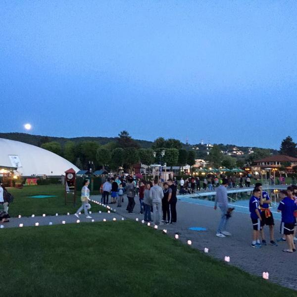 Vizualizati imaginile din articolul: Festivalul Luminii, evenimentul care a luminat, la propriu, întreg Complexul de Agrement Mureşul