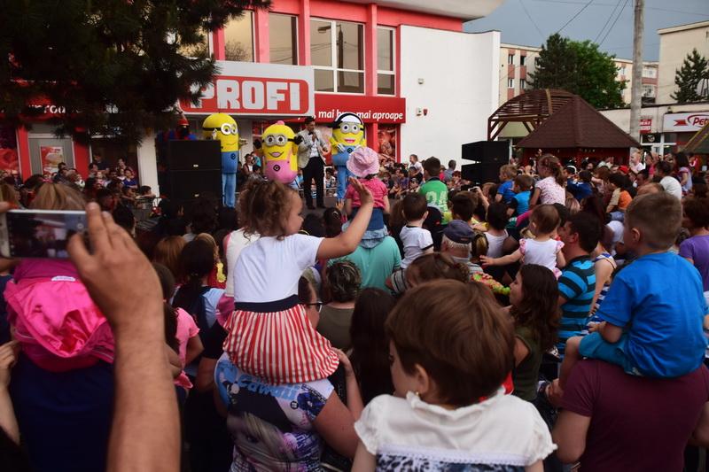 Vizualizati imaginile din articolul: 1 iunie, Ziua Internaţională a Copilului, marcată de Primăria Tîrgu Mureş. Copiii pot vizita GRATUIT Grădina Zoologică din Tîrgu Mureș sau pot călătorii cu trenulețul Tomy
