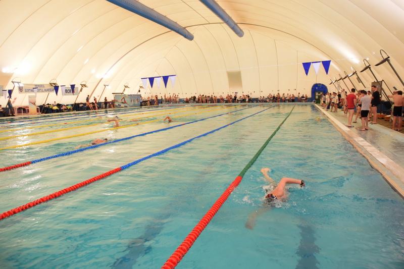 Vizualizati imaginile din articolul: Ismét megnyílt a víkendtelepi olimpiai medence!