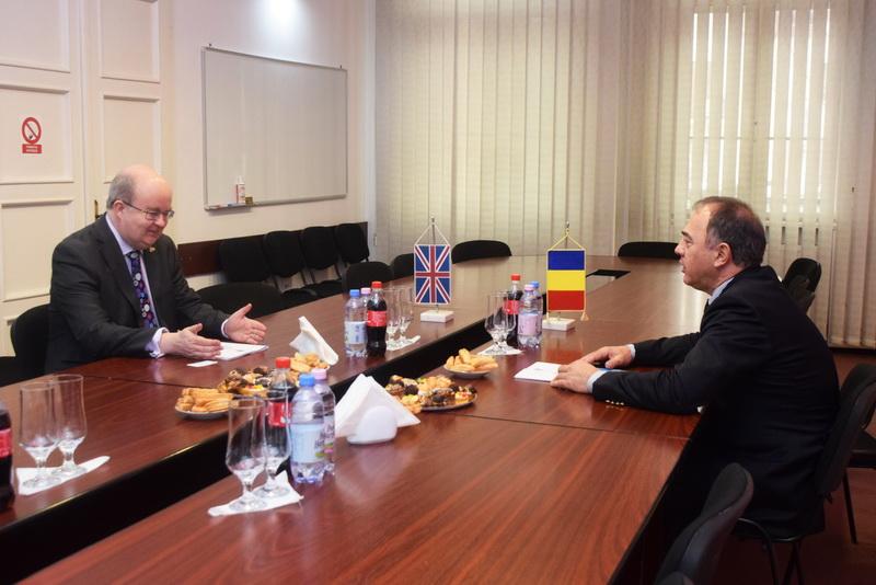 Vizualizati imaginile din articolul: Dorin Florea polgármester és Paul Brummell (Nagy- Britannia bukaresti nagykövete) hivatalos találkozója