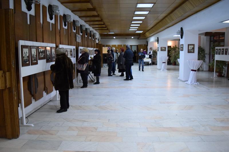 Vizualizati imaginile din articolul: Expoziția ,,Itinerarii Eminesciene Transilvane'