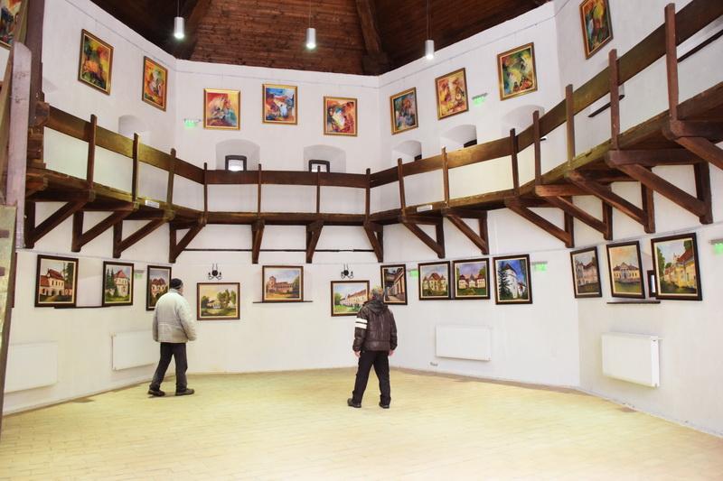 Vizualizati imaginile din articolul: Pictură, pastel şi sculptură...în Cetatea Medievală