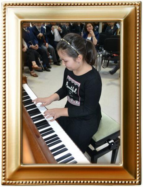 Vizualizati imaginile din articolul: 'Muzica face trecerea de la a auzi ....la a asculta'