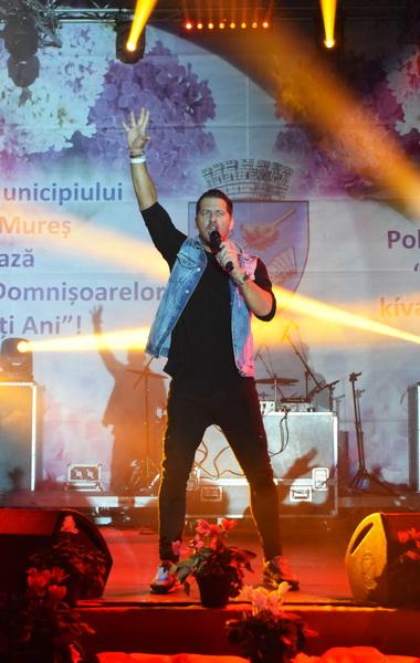 Vizualizati imaginile din articolul: Primăria Tîrgu Mureş a oferit luni seara un spectacol de excepţie prilejuit de Ziua Internaţională a Femeii