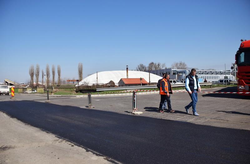 Vizualizati imaginile din articolul: Lucrări de asfaltare în Tîrgu Mureş