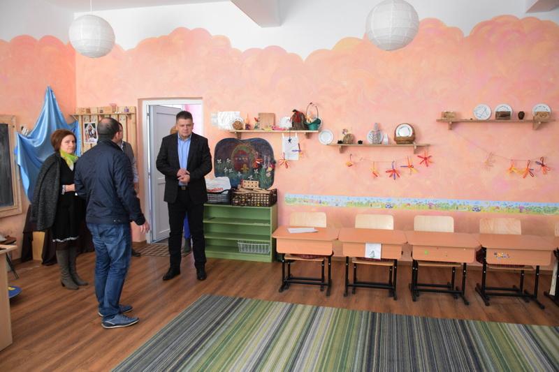 Vizualizati imaginile din articolul: Primăria Tîrgu Mureş investeşte în educaţie