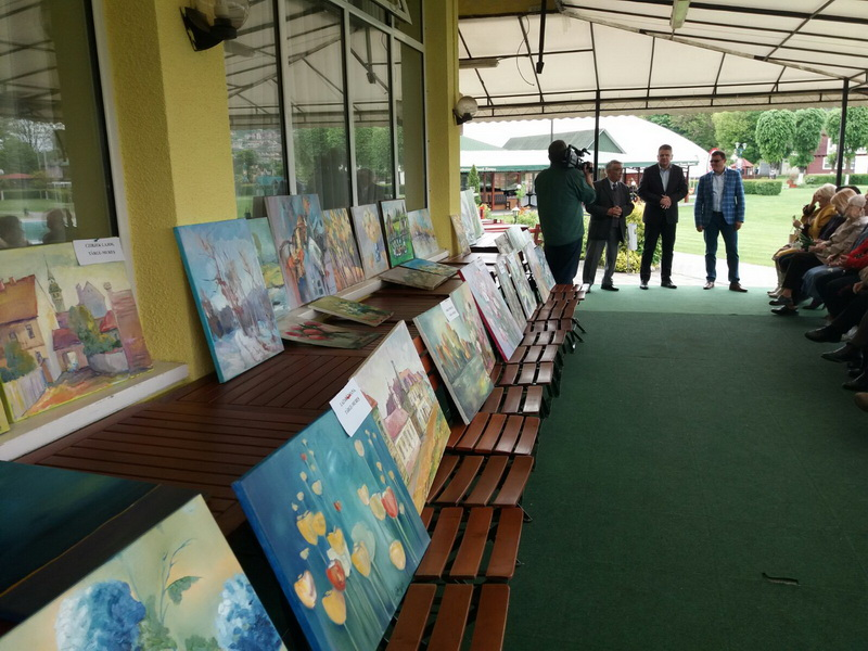 Vizualizati imaginile din articolul: Expoziţie de pictură la ...Casa de Oaspeţi a Primăriei Tîrgu Mureş