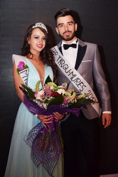 Vizualizati imaginile din articolul: Miss şi Mister Tîrgu Mureş, 2017! Primăria Tîrgu Mureş premiază atitudinea, eleganţa şi frumuseţea!