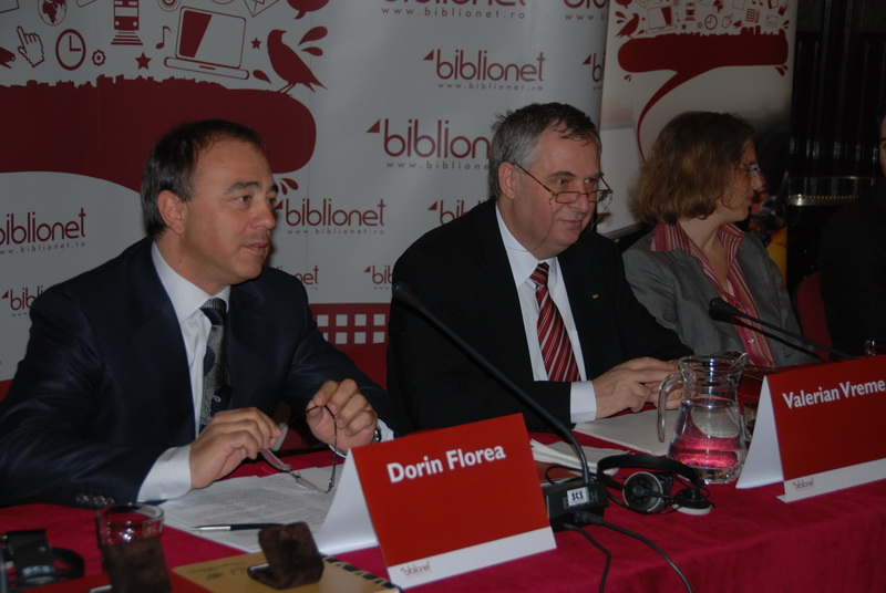 Vizualizati imaginile din articolul: A new public and free internet access service released today in Tirgu Mures in the presence of the President of the Global Development Program- Bill & Melinda Gates Foundation