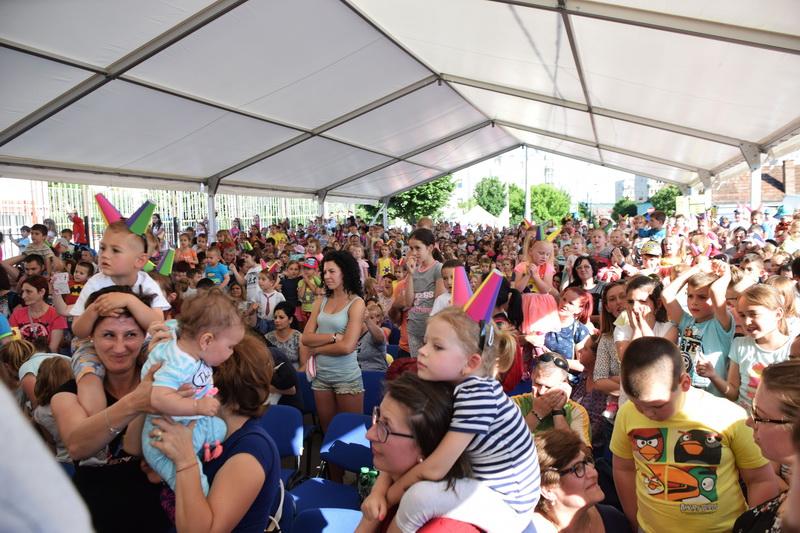 Vizualizati imaginile din articolul: Primăria Tîrgu Mureş sărbătoreşte copiii din oraş!