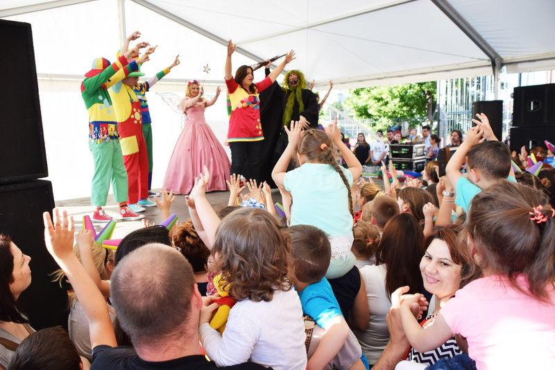 Vizualizati imaginile din articolul: A Marosvásárhelyi Polgármesteri Hivatal ünnepli a város gyermekeit!
