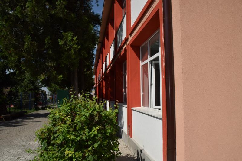 Vizualizati imaginile din articolul: Primăria Tîrgu Mureş investeşte în educaţie!