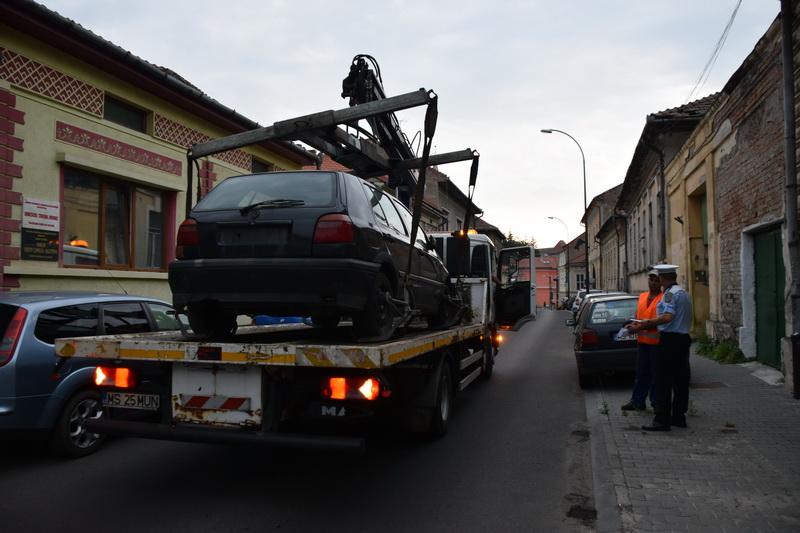 Vizualizati imaginile din articolul: Atenţie, se ridică maşinile abandonate !
