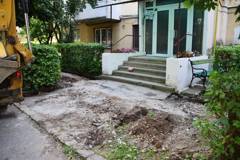 Vizualizati imaginile din articolul: Lucrări diverse executate pe raza municipiului Tîrgu Mureş