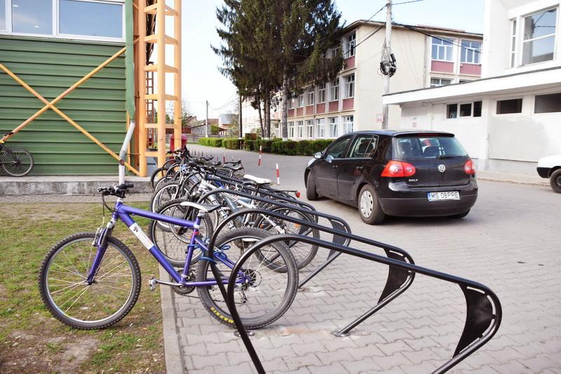 Vizualizati imaginile din articolul: Propuneri pentru montarea rastelelor în municipiul Tîrgu Mureş
