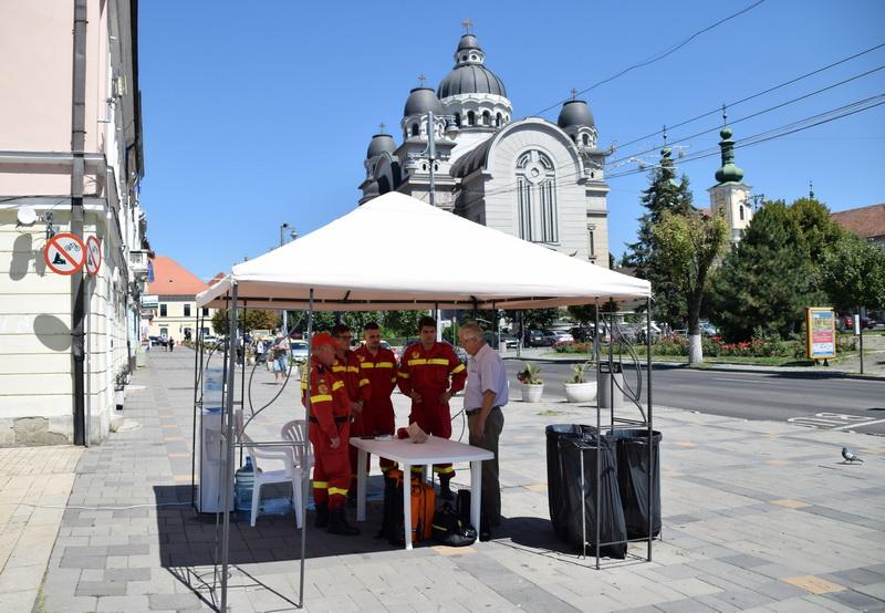 Vizualizati imaginile din articolul: Primăria Tîrgu Mureş a luat măsuri anti-caniculă! Mai multe corturi cu apă rece au fost montate în oraş