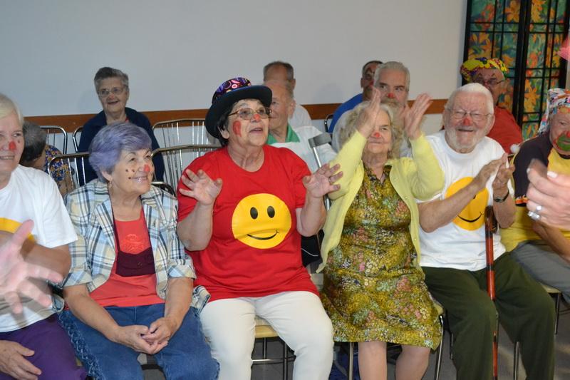 Vizualizati imaginile din articolul: Terapie prin râs