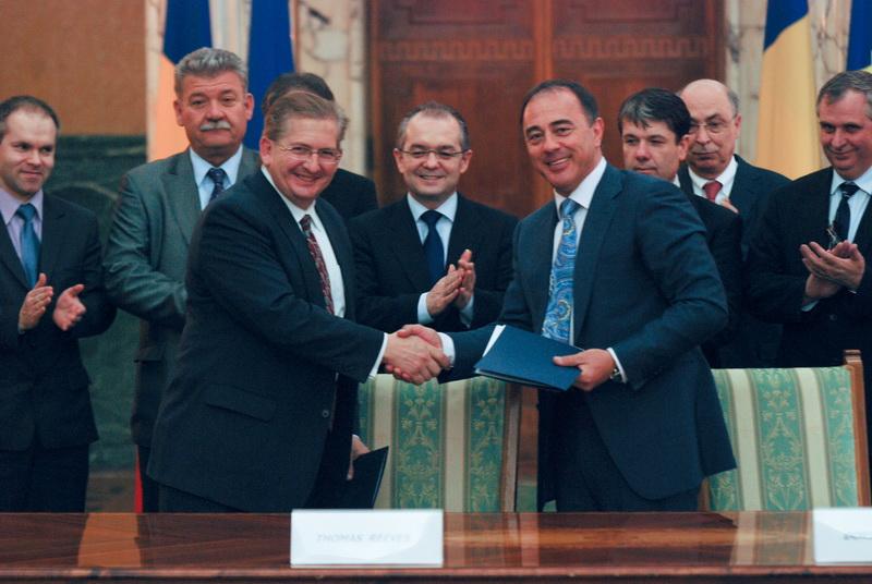 Vizualizati imaginile din articolul: Primarul Dorin Florea a semnat cu IBM Memorandumul de Înţelegere pentru realizarea Centrului de Excelență în Cercetare din Tîrgu Mureș