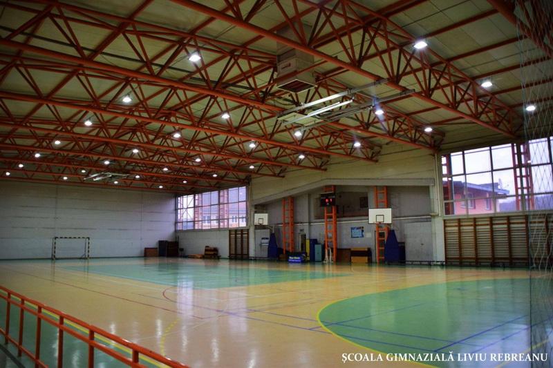 Vizualizati imaginile din articolul: Săli de sport moderne în instituţiile de învăţământ târgumureşene