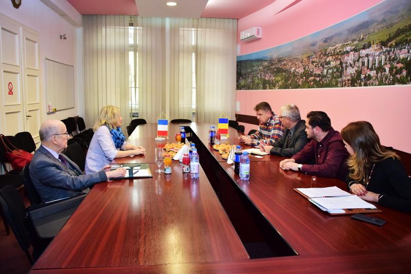 Vizualizati imaginile din articolul: Relații de parteneriat între municipalitățile din Tîrgu Mureș și Paris