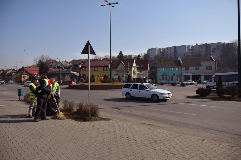 Vizualizati imaginile din articolul: Luni, 26 martie, începe 'Curățenia generală de primăvară' în municipiul Tîrgu Mureș