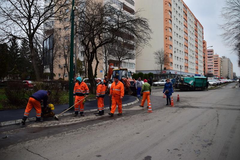 Vizualizati imaginile din articolul: Trotuare noi în cartierul Dâmbu Pietros
