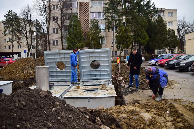 Vizualizati imaginile din articolul: Containere subterane în cartierul Dâmbu Pietros