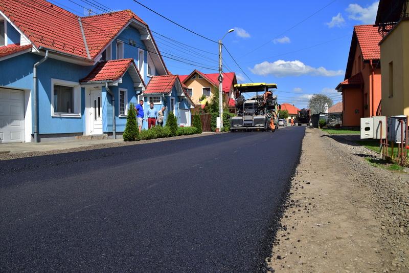 Vizualizati imaginile din articolul: Strada Serafim Duicu a fost asfaltată !