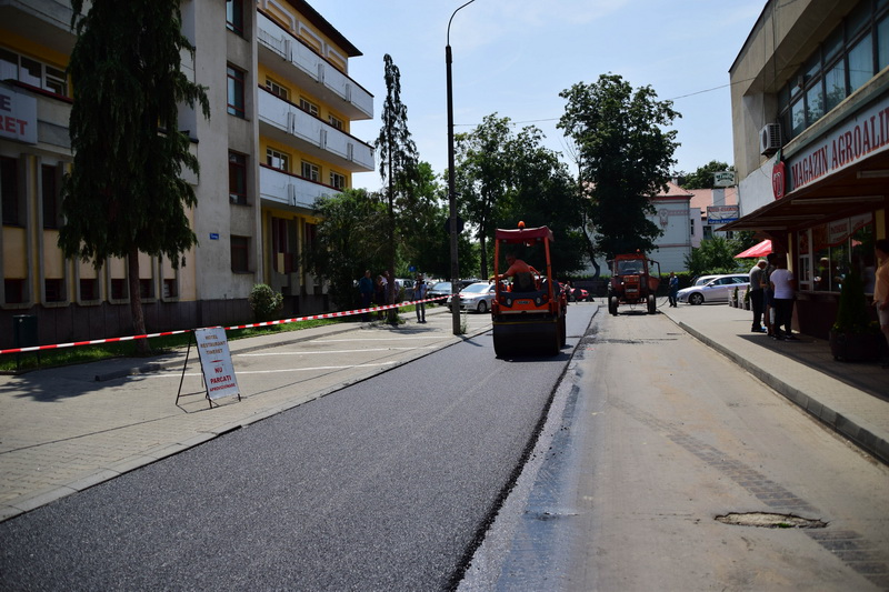 Vizualizati imaginile din articolul: Leaszfaltozták a Kosárdomb sétányt (Cornişa)!